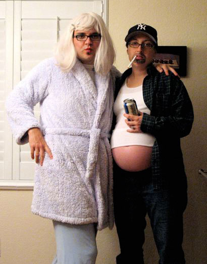 Pregnant_WhiteTrash_Halloween_costume