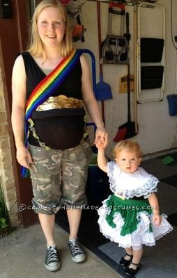 Coolest-pot-o-gold-maternity-costume-3140