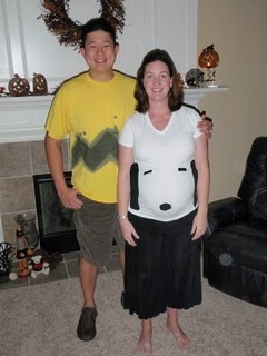 Pregnant-halloween-costume-snoopy